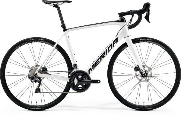 Велосипед 28″ Merida SCULTURA DISC 5000 Peal White/Black 2020